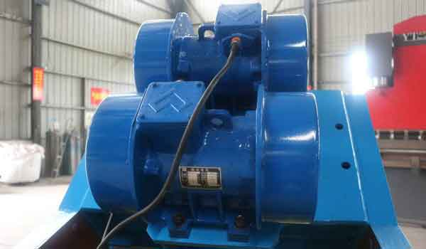 vibration motor of the dewatering screen